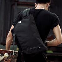大容量骑行学生书包单肩斜挎包男运动男士包