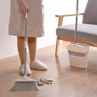 {夏季贱卖}魔术扫地笤帚家用木地板扫帚神器笤帚扫把簸箕套装扫头发清洁工具