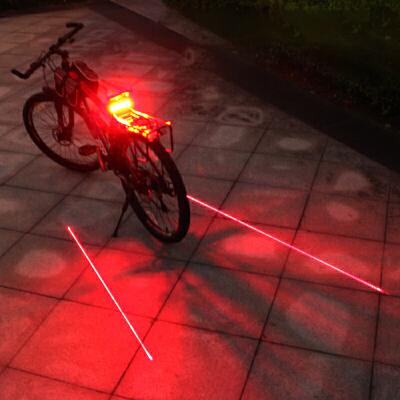 遥控自行车尾灯USB充电激光后尾灯山地车夜骑配件转向LED警示灯 发货周期:一般在付款后2-90天左右发货,具体发货时间请以与客服协商的时间为准