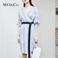 MOCO夏季新品时尚V领条纹连衣裙 MA182DRS102摩安珂