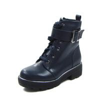达芙妮女鞋 秋季时尚短靴圆头金属装饰中性时尚马丁靴
