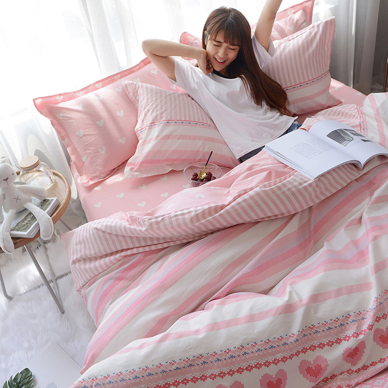 粉色可爱波点棉床上四件套棉三件套学生宿舍单人床单被套 发货周期:一般在付款后2-90天左右发货,具体发货时间请以与客服协商的时间为准