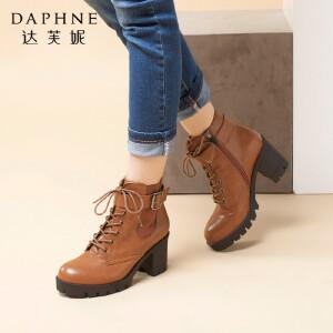 达芙妮冬季女靴系带粗高跟马丁靴小皮靴短筒英伦风厚底皮带扣短靴