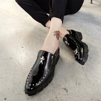 尖头皮鞋男英伦潮流夜店个性铆钉皮鞋发型师亮皮增高皮鞋厚底男鞋 黑色 68226-黑