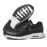 耐克NIKE2017新款女鞋跑步鞋跑步运动鞋881104-002