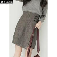 秋冬新款时尚套装女韩版学院风毛呢外套+毛衣+格子半身裙三件套