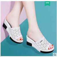 古奇天伦韩版 新款夏季外出厚底凉拖坡跟拖鞋女夏时尚外穿百搭GH08813