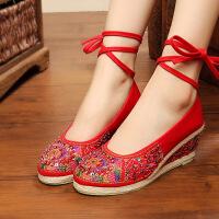 老北京布鞋女春季款平底民族风红色坡跟单鞋子绣花鞋中跟透气女鞋 红 串珠心相印