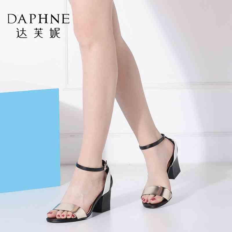 Daphne/达芙妮女鞋夏季粗高跟鞋一字扣露趾女凉鞋