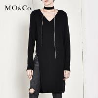 MOCO高开衩V领套头中长款针织羊毛衫女MA174SWT321 摩安珂