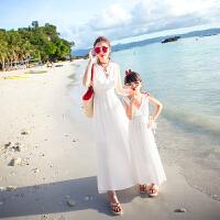 沙滩裙亲子装夏2018新款潮海边度假母女连衣裙全家装