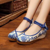老北京布鞋女单鞋新款绣花鞋七色花布鞋蓝色舞蹈鞋民族风中跟鞋子 蓝色
