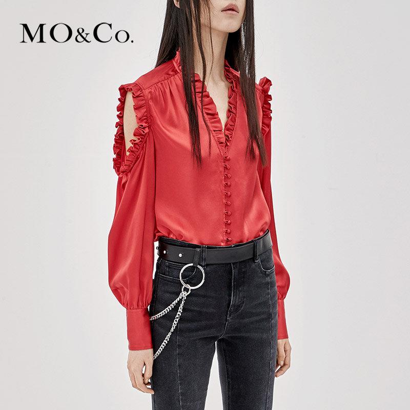 MOCO秋季新品个性露肩木耳边V领衬衫MA183TOP116 摩安珂 满399包邮 复古包扣 个性露肩剪裁