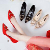 尖头绸缎布面爱心扣水优雅细跟懒人套脚小码鞋子婚鞋女高跟鞋