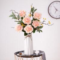 手感保湿玫瑰仿真花束单头单枝摆件塑料浆果客厅装饰假花艺
