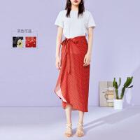 太平鸟一片式半身裙2019新款夏波点碎花绑带适合胯大腿粗的裙子女