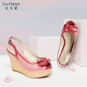 Daphne/达芙妮甜美蝴蝶结镂空坡跟后空扣带鱼嘴凉鞋