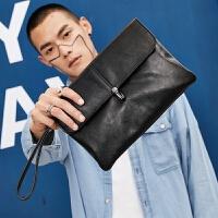 锁扣时尚潮流手拿包韩版男士手包PU男包商务手抓信封包文件包 黑色