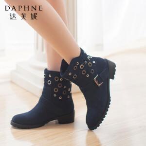 达芙妮冬季女靴子圆头金属装饰马丁靴皮带扣短筒靴女鞋