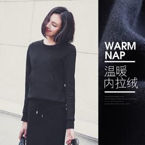 七格格 秋季新款 运动风 简约黑色宽松短款加绒卫衣 女