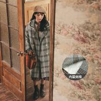 千鸟格收腰毛呢外套2019冬季新款女韩版宽松流行复古学生呢子大衣