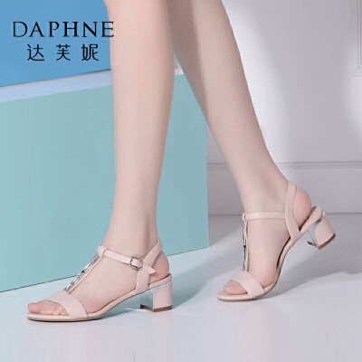 Daphne/达芙妮夏季新品 时尚水钻粗中跟露趾凉鞋女