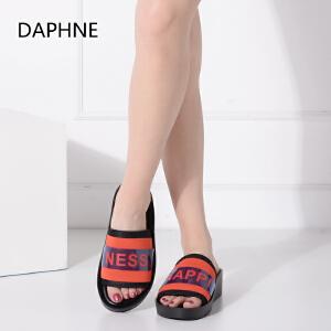 Daphne/达芙妮夏季厚底增高女鞋凉鞋平底鞋亮面拖鞋