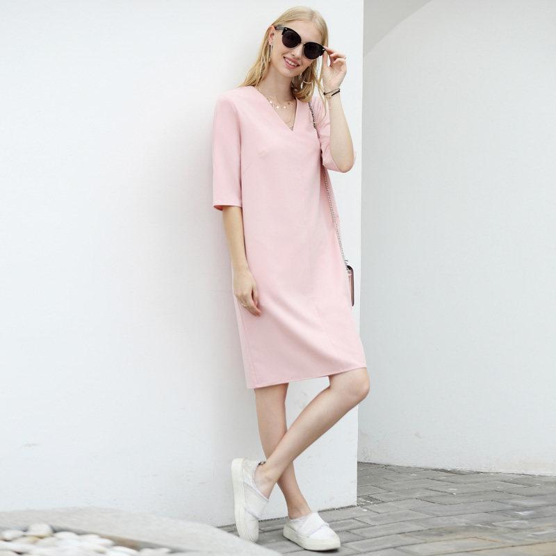 Amii极简大码宽松V领黑色连衣裙女2018夏装新中袖中长直筒裙子.