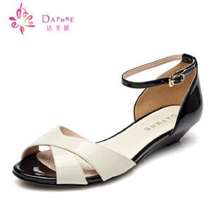 达芙妮凉鞋 夏季 女鞋 低坡跟露趾一字扣休闲凉鞋