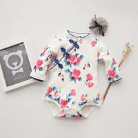 婴儿连体衣三角哈衣春夏装女0-3月4纯棉外出服4潮款5长袖睡衣3