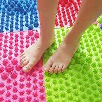 指压板感统训练器材足底按摩器趾压脚底按摩脚垫大儿童玩具