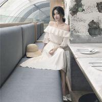 2018071807561344418国新款c复古风一字领荷叶边上衣+修身半身裙纯色女套装