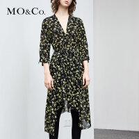 MOCO夏季新品V领印花不规则裙摆连衣裙MA182DRS101 摩安珂