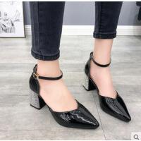 粗跟单鞋女韩版水钻跟尖头一字扣高跟鞋漆皮女鞋百搭潮款