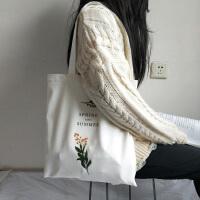 小清新时尚女单肩帆布包 超火包 韩版学生文艺包包布袋包 春天和夏天 白包