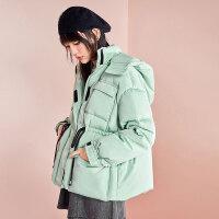 太平鸟亮面羽绒服女工装风绿色2019冬季新款加厚连帽小个子外套女