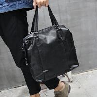 新款男士旅行包商务休闲软皮男包大容量单肩手提包斜跨包潮流 黑色