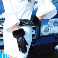 秋冬季保暖女士真皮手套冬季兔毛球羊皮全指开车骑行户外 羊皮兔毛口 黑色