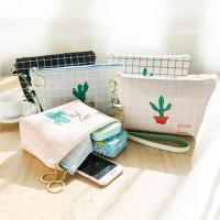 绿色仙人掌pu创意化妆包大容量防水收纳包手拿包