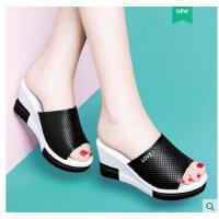 古奇天伦新款潮百搭室外高跟沙滩鞋凉拖鞋女夏季时尚韩版外穿坡跟厚底BN03333