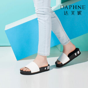 Daphne/达芙妮时尚潮流厚底凉鞋拖鞋---
