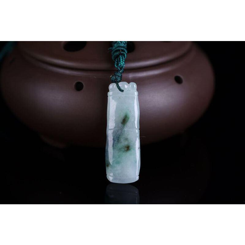 俏色竹节步步高升.翡翠竹节,亦称平安竹或富贵竹