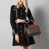 2018新款欧美同款时尚真皮女包印花包单肩斜挎手提包v字女包 红色