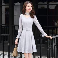 18新款女装小清新修身显瘦长袖中长款蕾丝个性约连衣裙