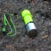 T6/L2/Q5光潜水手电筒 头灯防水远射白黄光双光源潜水135米
