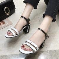 网红凉鞋女港风复古时尚新款一字扣高跟鞋粗跟晚晚温柔罗马鞋