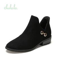 【达芙妮年货节】鞋柜 冬杜拉拉时尚粗跟短靴女金属扣绒面靴