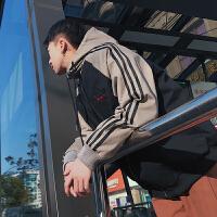 港风春装条纹织带男士连帽夹克韩版插肩袖宽松撞色运动外套棒球服
