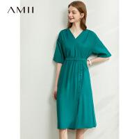 Amii�O�法式�凸挪栊�裙2020夏季新款��松V�I�B衣裙收腰中�L裙女