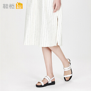 达芙妮集团鞋柜18夏PINKII休闲简约一字扣凉鞋平底低跟女鞋